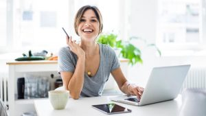 How to Balance Your Full Time Job With Your Online Business